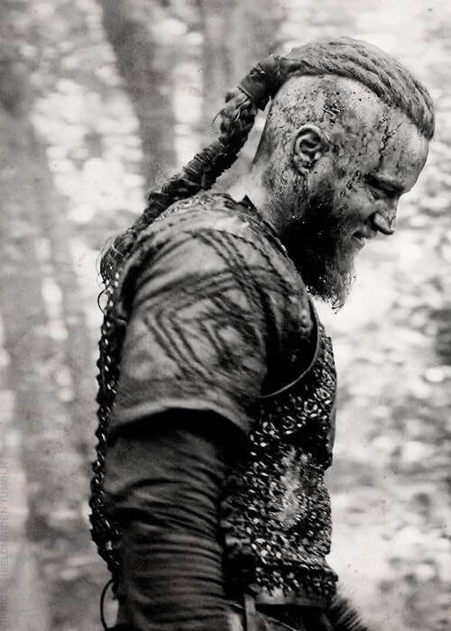 Ragnar Lothbroks Hairstyle from Vikings  Hairstyles  Haircuts for Men  Women