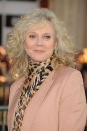 hairstyles women over 60 messy
