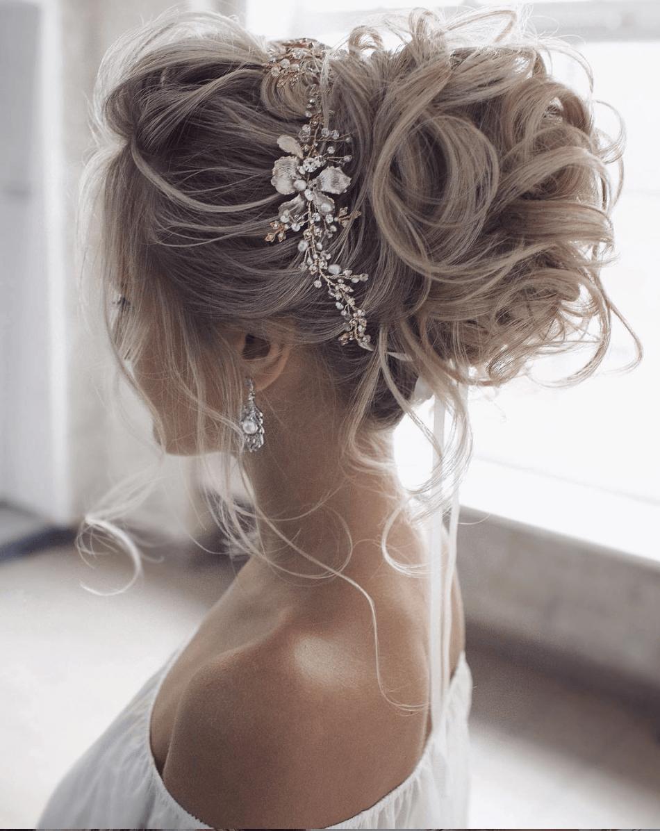 Stunning Wedding Hairstyles for the 2019 Season