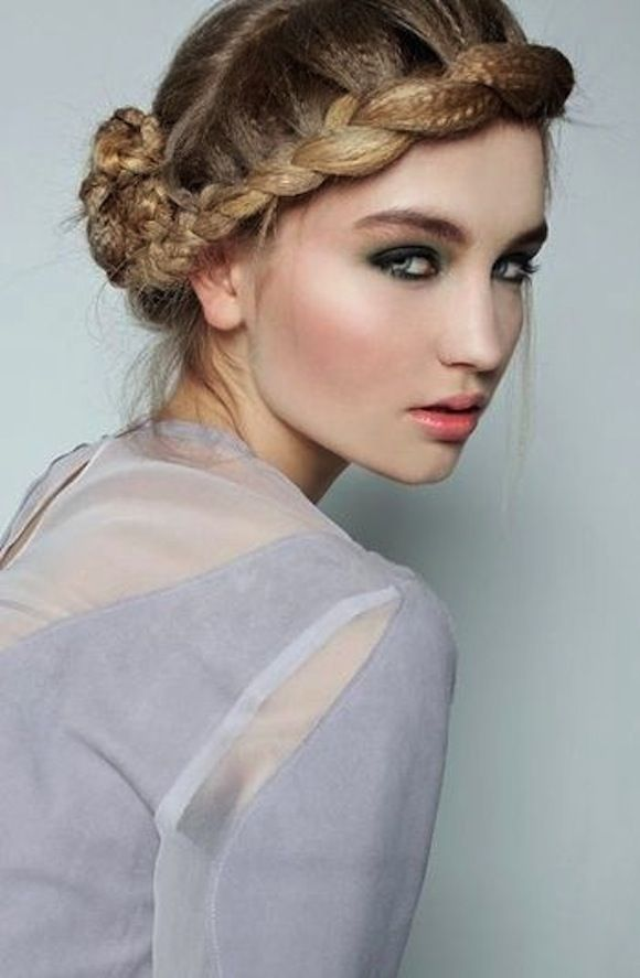 Runway Updo Hairstyle Inspiration For 2016 2017 Haircuts