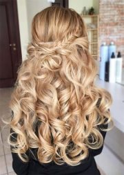 incredible long curly hairstyles