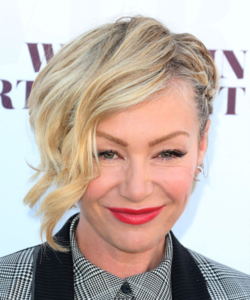 Portia De Rossi Short Wavy Formal Half Up Hairstyle
