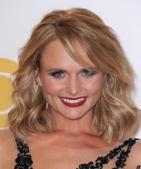Miranda Lambert Medium Wavy Casual Hairstyle with Side ...