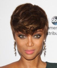 Tyra Banks Short Straight Casual Layered Pixie Hairstyle ...