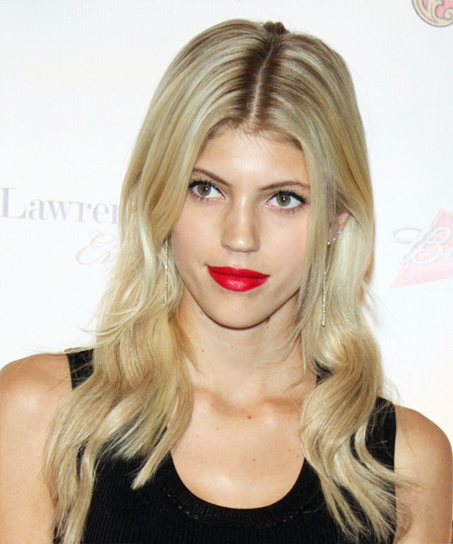 Devon Windsor Long Wavy Casual Hairstyle Light Blonde