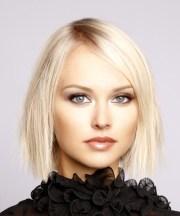 short straight light platinum blonde