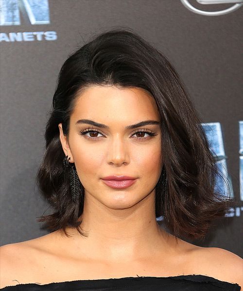 Kendall Jenner Medium Straight Casual Bob Hairstyle Dark