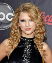 taylor swift hairstyles 2018