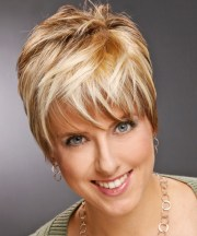 short straight copper blonde hairstyle