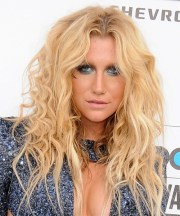 kesha long curly alternative hairstyle