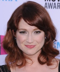Ellie Kemper Medium Wavy Casual Hairstyle with Side Swept ...