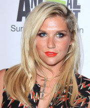 kesha long straight light blonde