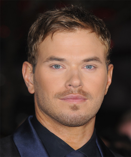 Kellan Lutz Hairstyles Gallery