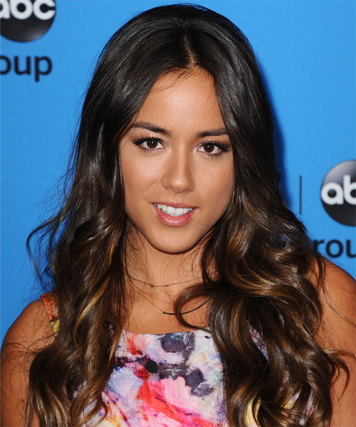 Chloe Bennet Long Wavy Casual Hairstyle