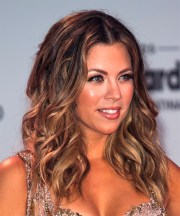 ximena duque long wavy casual hairstyle