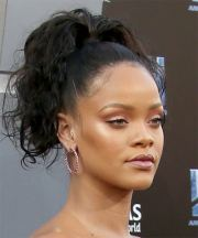 rihanna hairstyles in 2018
