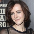 Jena malone medium straight casual hairstyle thehairstyler com
