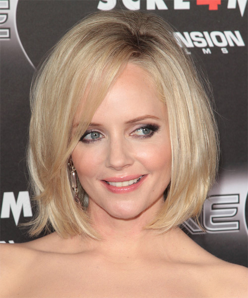 Marley Shelton Medium Straight Casual Bob Hairstyle With