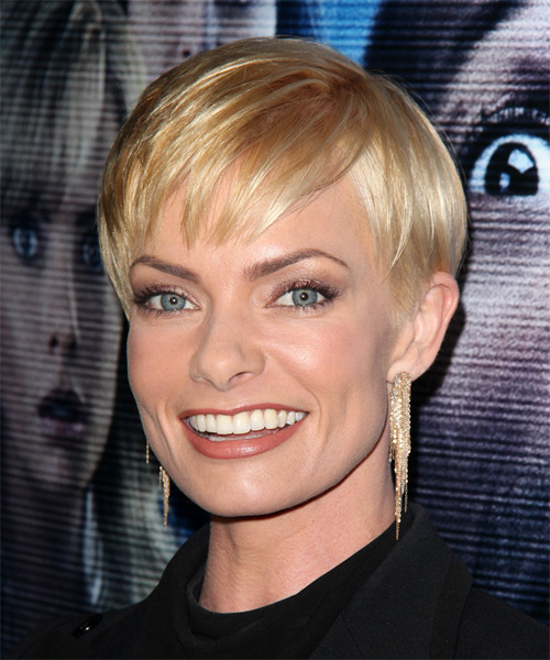 Jaime Pressly Short Straight Formal Hairstyle With Layered