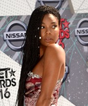 gabrielle union casual long curly