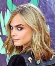 cara delevingne medium wavy light