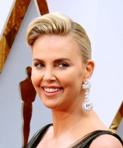 charlize theron hairstyles in 2018
