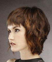 short straight casual shag hairstyle