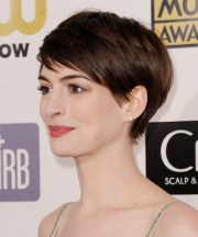 anne hathaway short straight casual