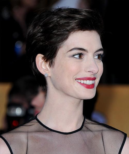 Anne Hathaway Short Straight Casual Hairstyle Dark Mocha