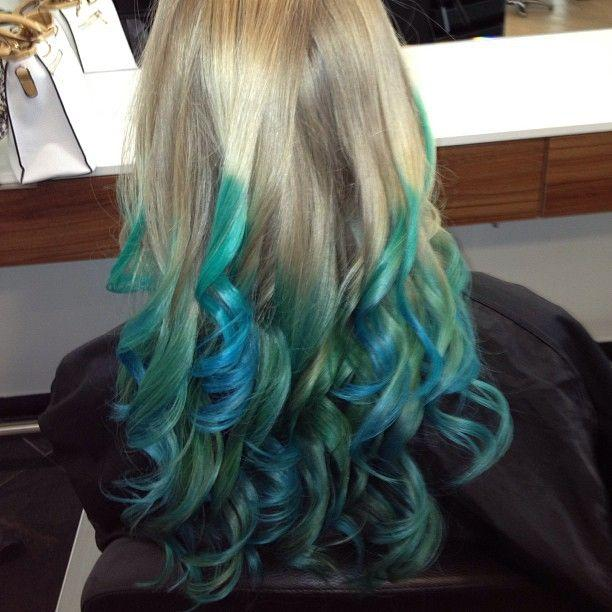Blonde Curly Blue Tips Hairstyles How To