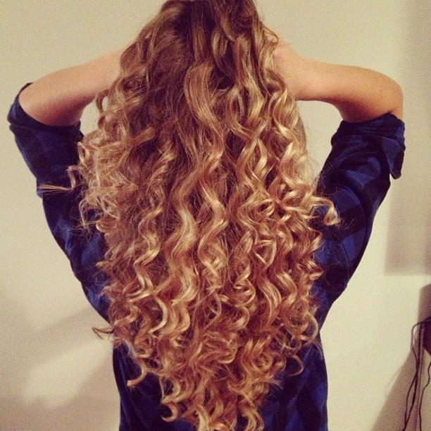 Frizzy Wand Curls Hairstyles How To