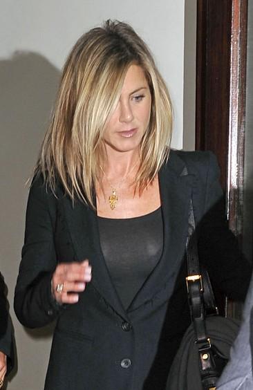 Jennifer Aniston medium hairstyle