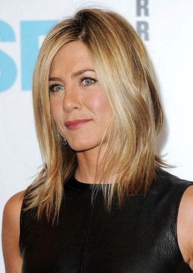 Jennifer Aniston short hairstyle