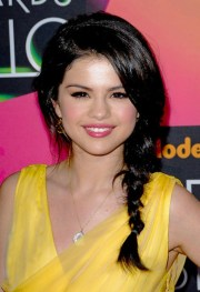 selena gomez braided hairstyle