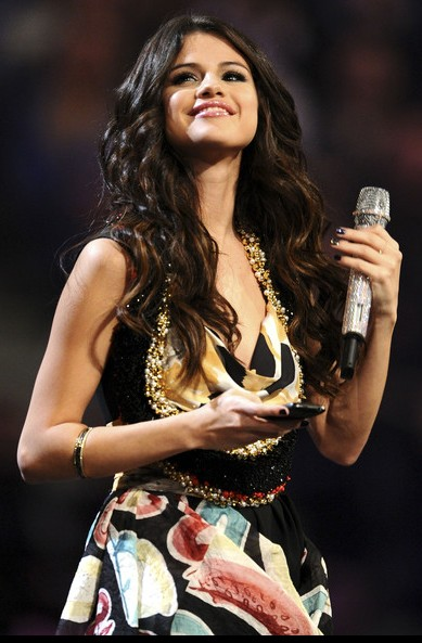 Selena Gomez latest hairstyle