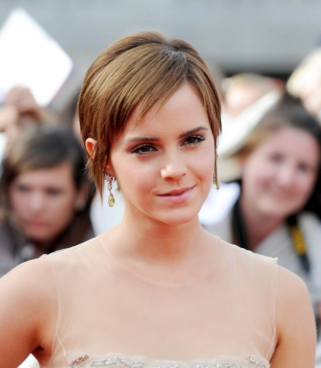 Celebrity Emma Watson Pixie Haircut