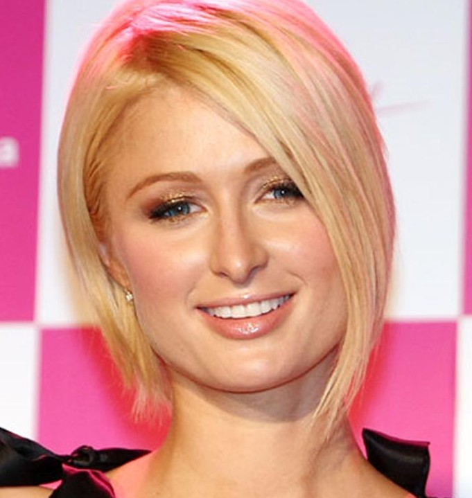 Paris Hilton Elegant Blonde Inverted Bob