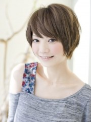 cute short japanese hairstyle