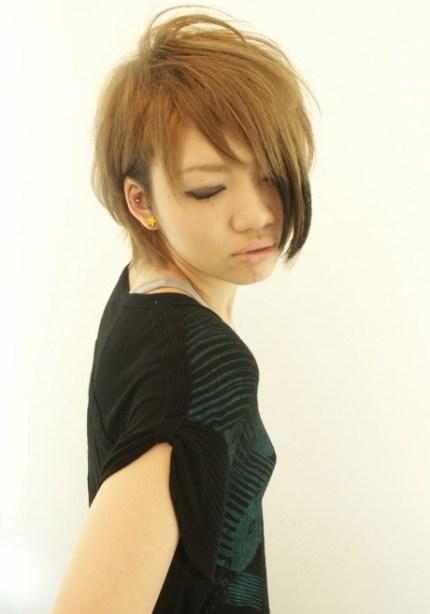 Trendy-Short-Japanese-Hairstyle