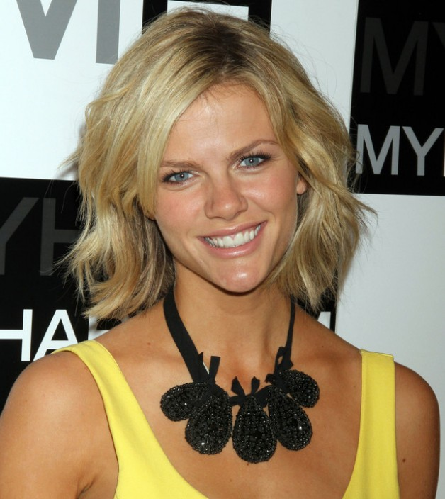 Brooklyn Decker Short choppy bob hairstyle