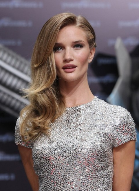 Rosie Huntington-Whiteley  Classic side part hairstyle