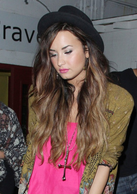 Demi Lovato Sexy Long Hairstyles