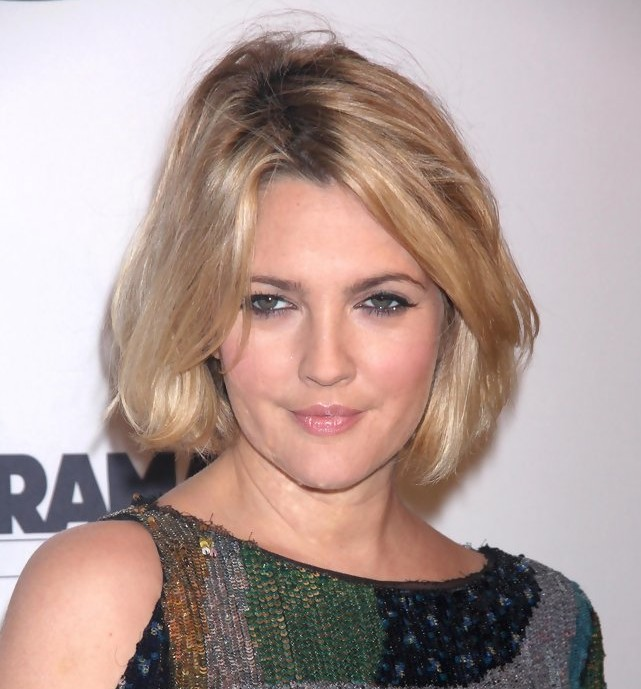 Drew Barrymore latest short hairstyle