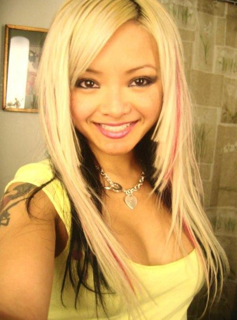 Emo Long Straight Layered Hairstyles for Girls