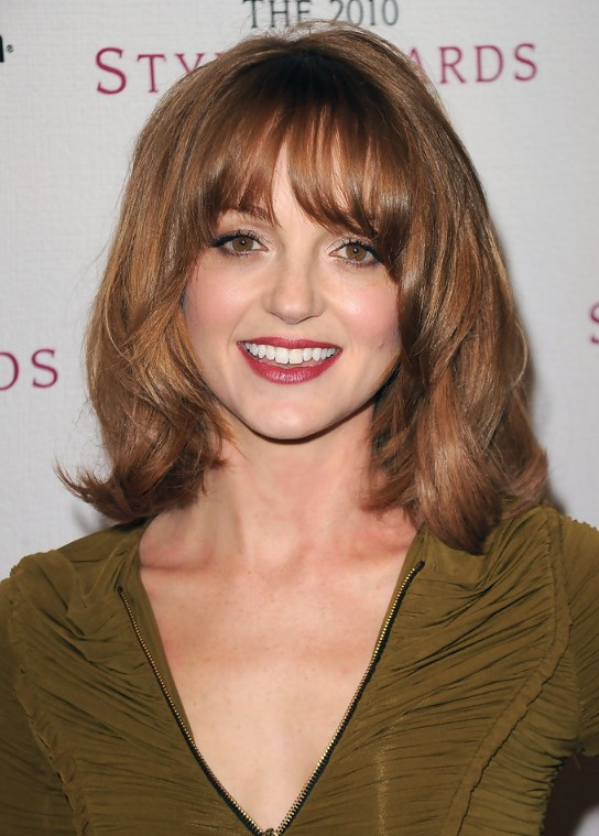 Curly Hair Side Braids Jayma Mays Medium Wavy Curly Hairstyle With Layers