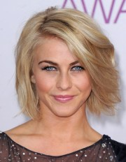chic side part bob hairstyle