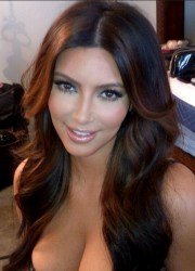 kim kardashian sexy long hairstyle