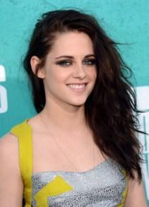 Kristen Stewart Long Wavy Hairstyle for Women