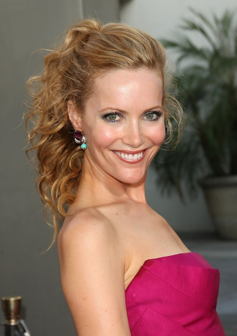 Leslie Mann Half Up Half Down Wedding Hair Style 2013