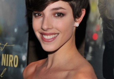 Short Layered Hairstyle With Bangs Hairstyles Weekly